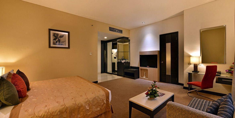 Golden Flower Hotel Bandung Deluxe Room
